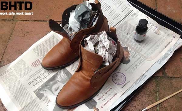 7 Cách khử mùi cho giày bảo hộ cực hiệu quả mà bạn phải thử ngay