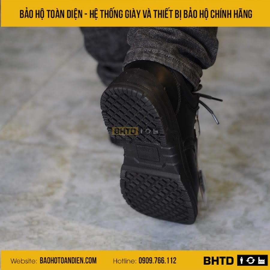 Giày bảo hộ chống trượt Safety Jogger X111081