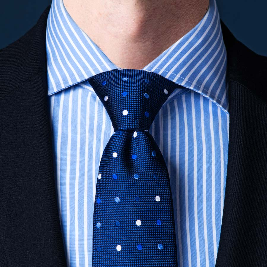 thắt cà vạt kiểu Pratt