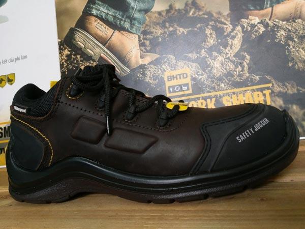 Thiết kế giày bảo hộ kiểu cổ điển, đầy vẻ nam tính và mạnh mẽ