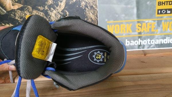Giày bảo hộ Jogger Toprunner sử dụng tấm lót giày latex có độ xốp & đàn hồi tốt, chống sốc hiệu quả cho bàn chân và gót chân trong quá trình di chuyển.