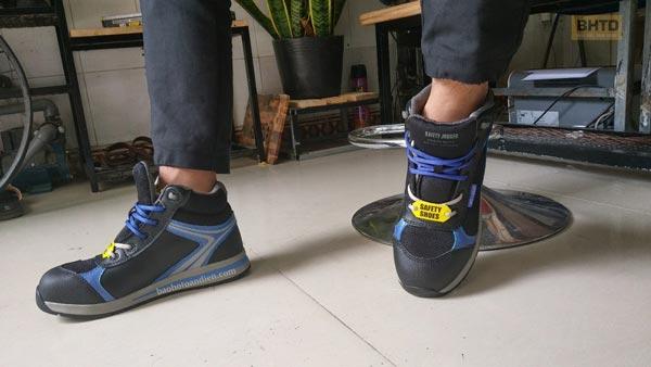 Ngoài trọng lượng NHẸ, Giày bảo hộ Jogger Toprunner còn có thiết kế thon gọn, giúp bạn di chuyển linh hoạt và nhẹ nhàng hơn