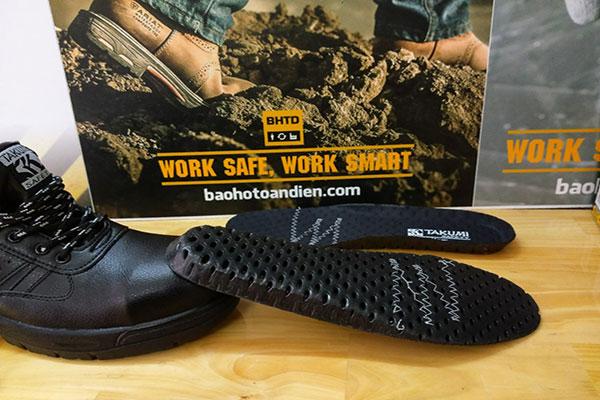 Tấm lót E.V.A của giày bảo hộ Takumi TSH-220