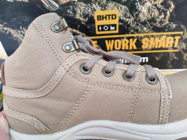 Lớp ngoài– Mesh Nylon + Mặt trong - Cotton của giày bảo hộ Desert sẽ phù hợp sử dụng trong điều kiện môi trường khô ráo, sạch sẽ như công nghiệp nhẹ, phòng sạch, y tế…