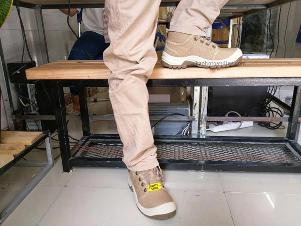 Giiày bảo hộ thời trang Jogger Desert trông rất phong cách, bụi bặm và nhỏ gọn trên chân