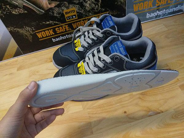 Tấm lót giày bằng chất liệu latex mềm mại và đàn hồi